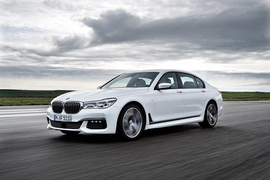 BMW приостанавливает выпуск бензиновых седанов 7-Series