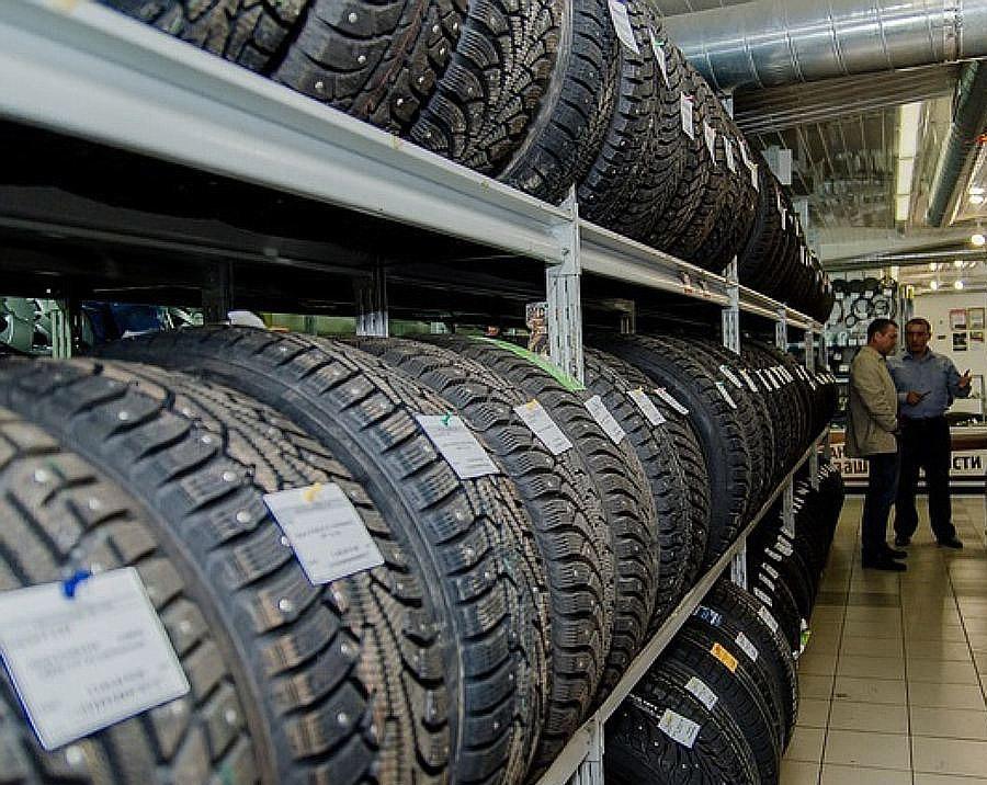 Двадцать восемь процентов россиян покупают шины в интернет-магазинах