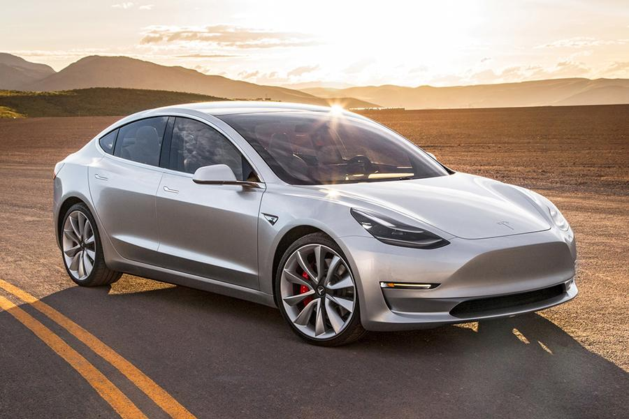 Tesla Model 3 стала лидером на рынке США