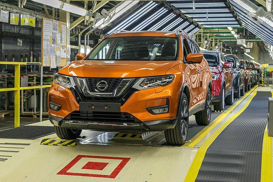 Российский завод Nissan осваивает обновленный X-Trail