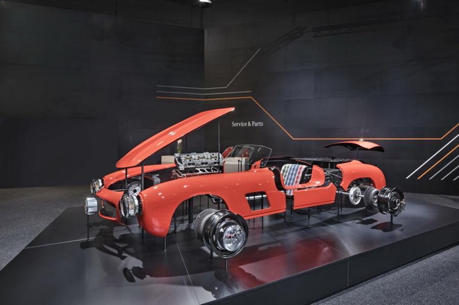 Mercedes начал выпускать запчасти для машины 1954 года