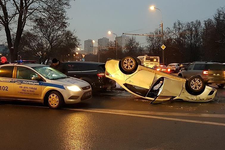 Путин поручил снизить смертность на дорогах до нуля