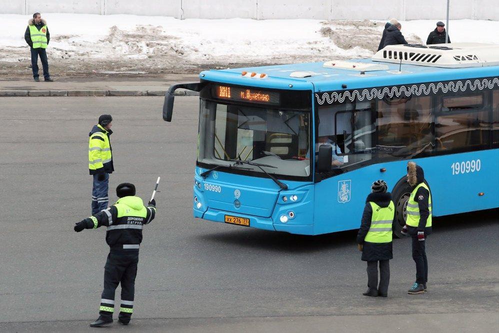 Техосмотр автобусов предложили вернуть ГИБДД