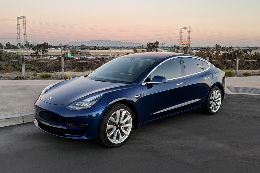 Tesla Model 3 провалила потребительские тесты