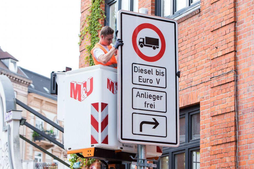 В Германии начали запрещать езду на старых дизелях