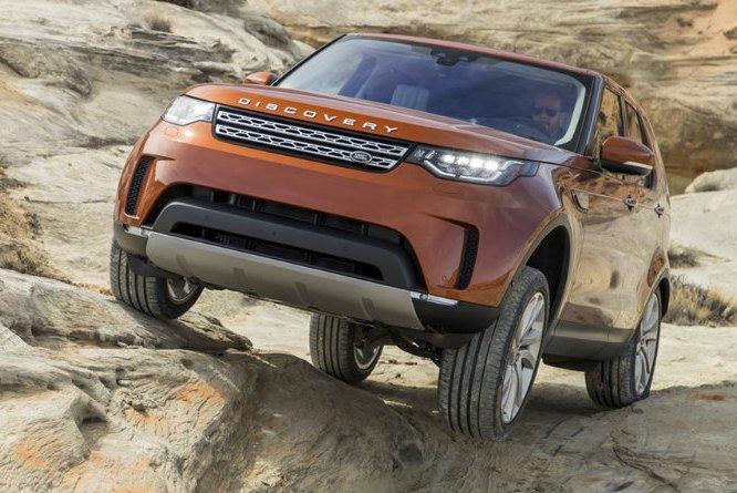 Land Rover будет преодолевать бездорожье без помощи водителя