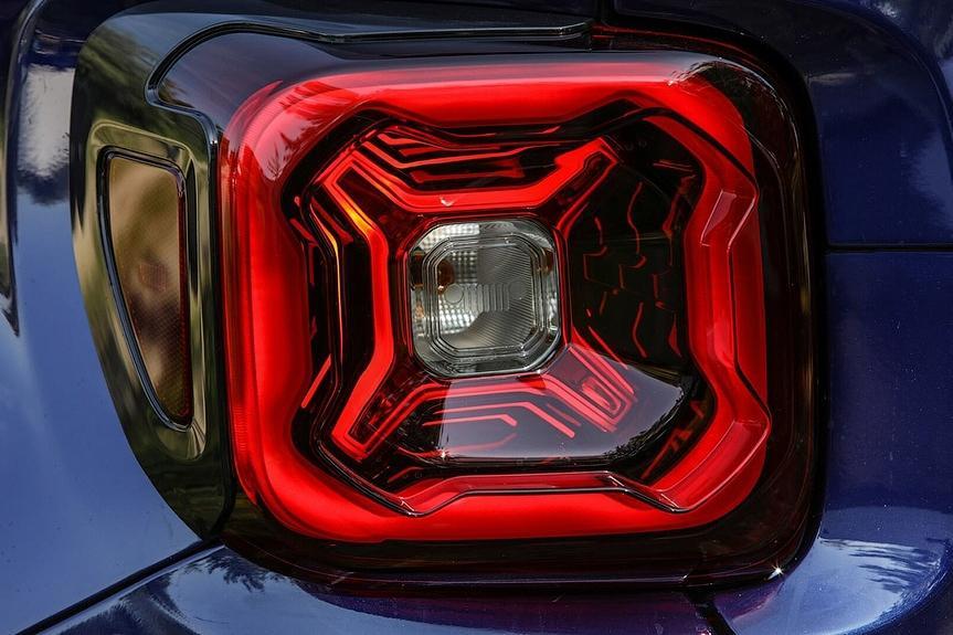Jeep анонсировал рестайлинговый Renegade
