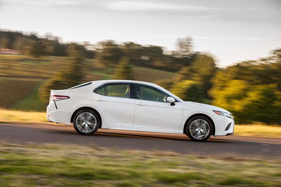Toyota возвращает Camry на европейский рынок
