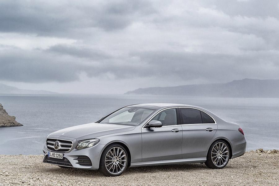 Mercedes отзывает машины из-за неисправных сидений