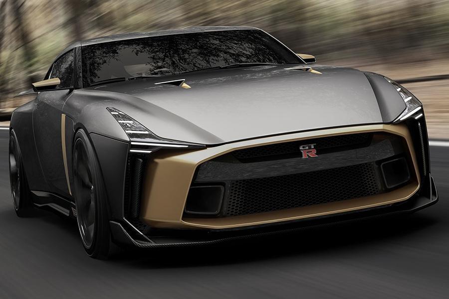 Суперкару Nissan GT-R исполнилось 50 лет