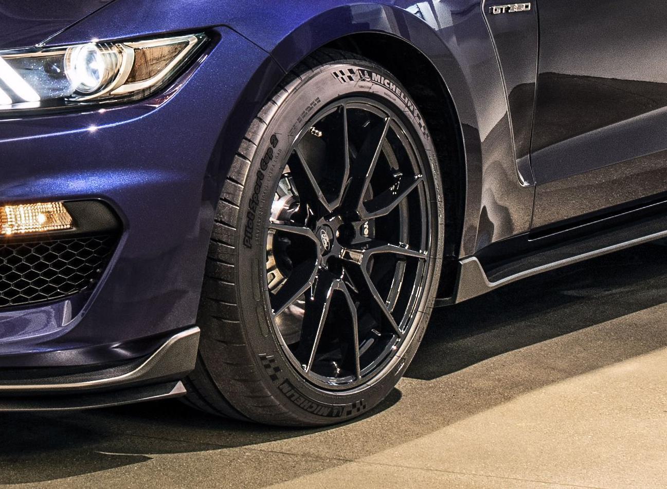 Мишлен подготовил спецверсию шин Pilot Sport Cup 2 для обновленного Mustang Shelby GT350