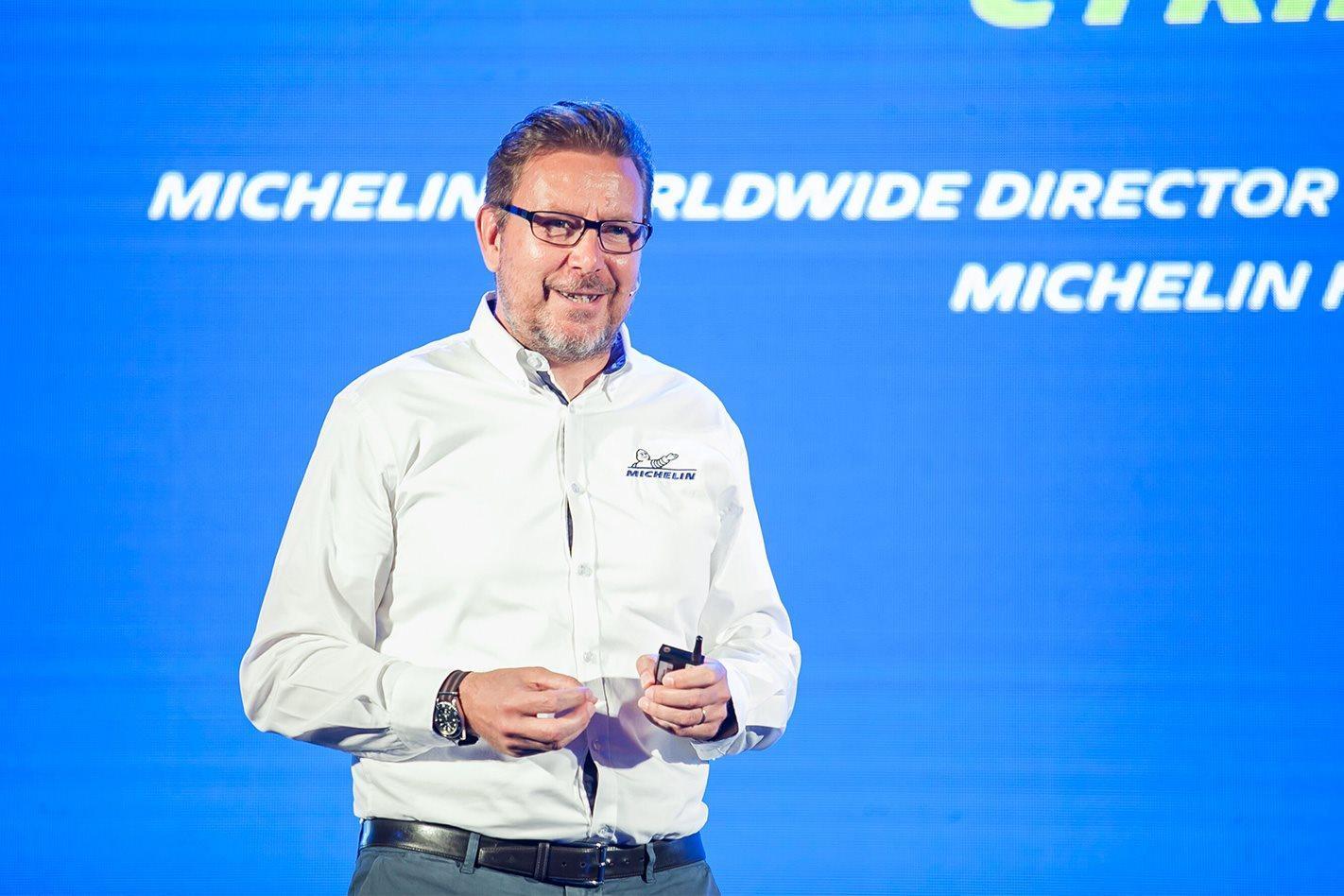 Мишлен разрабатывает непневматические колеса X Tweel для оснащения легковых автомобилей