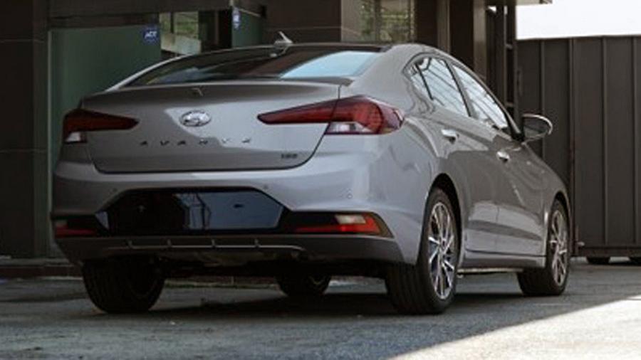 Рестайлинговый Hyundai Elantra: новые фото