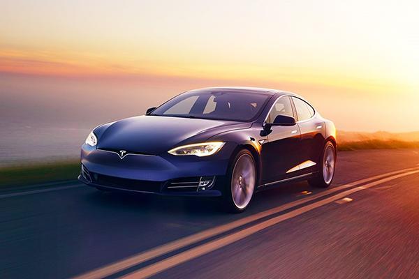 Владельцев Tesla Model S в Германии попросили вернуть госсубсидию