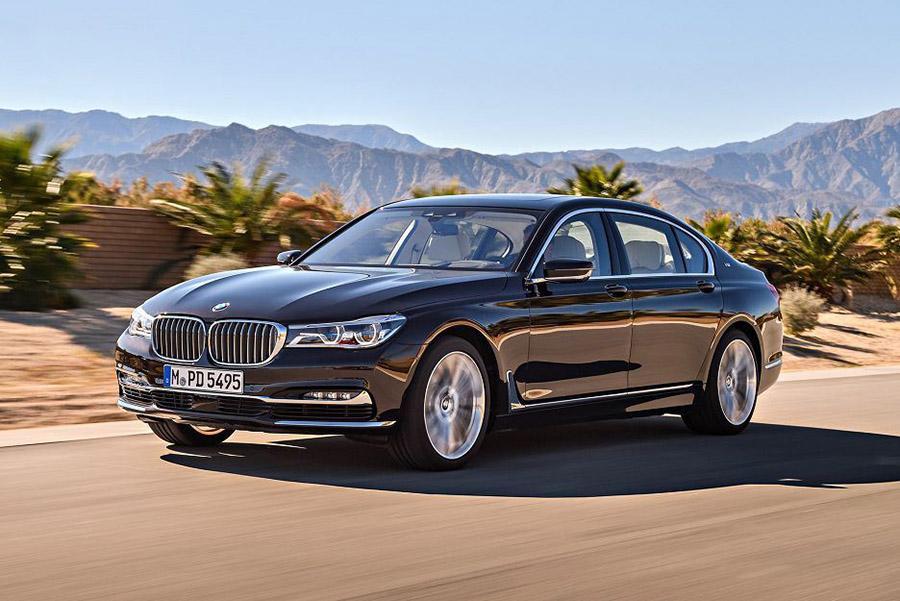 BMW объявляет в России две отзывные кампании