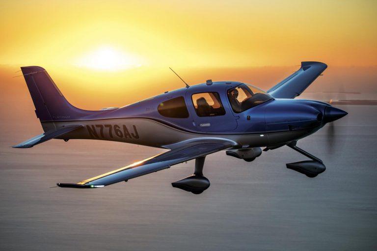 Самолеты Cirrus Aircraft обуются в шины Michelin