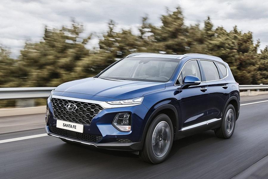 Hyundai Santa Fe: стали известны рублевые цены