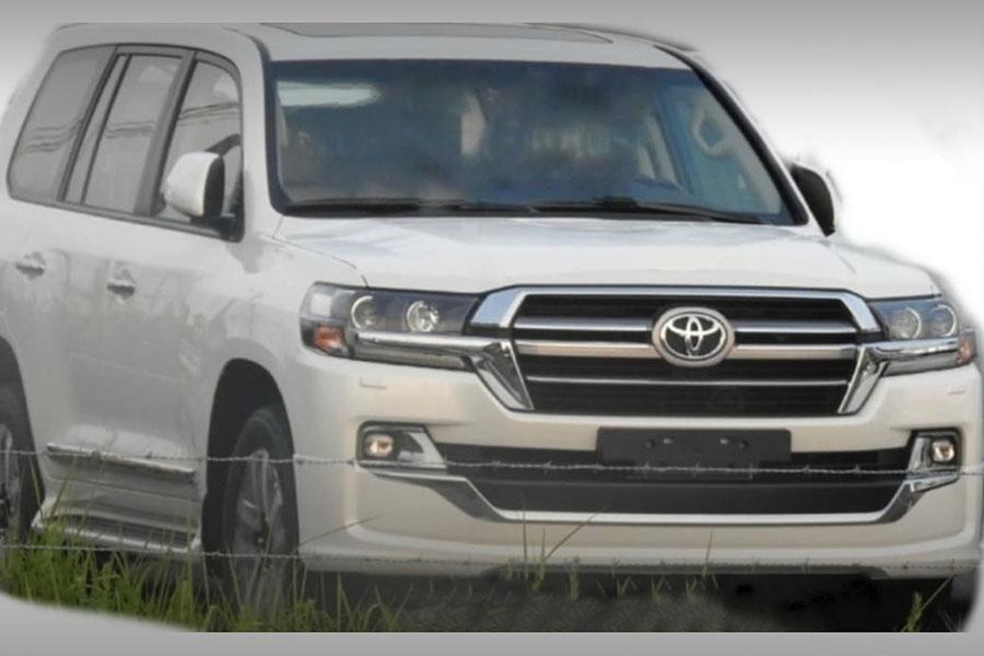 Toyota Land Cruiser 200: грядет обновление