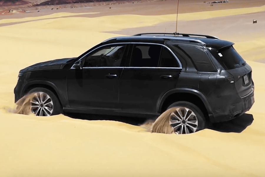 Новый Mercedes GLE сможет вытащить сам себя