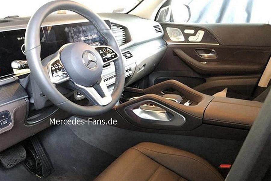 Фотошпионы рассекретили салон Mercedes GLE