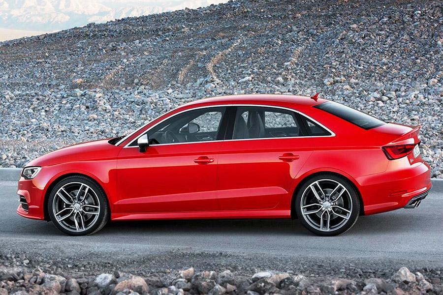 В России отзывают Audi A3