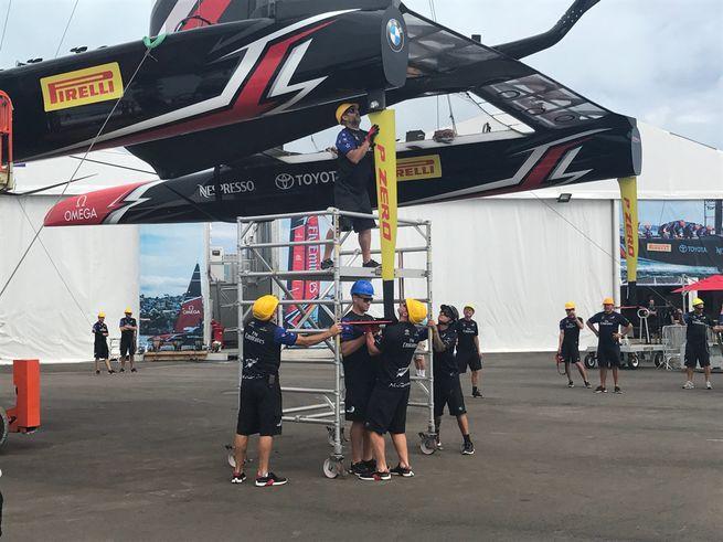 Pirelli - титульный спонсор яхты Luna Rossa в Кубке Америки