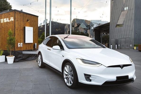 Создан прицеп-автодом для электромобилей