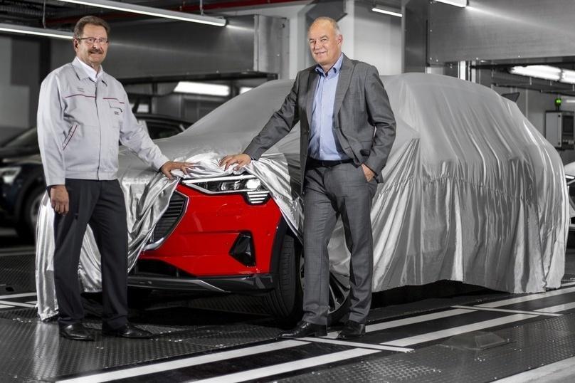 Audi e-tron пошел в серию