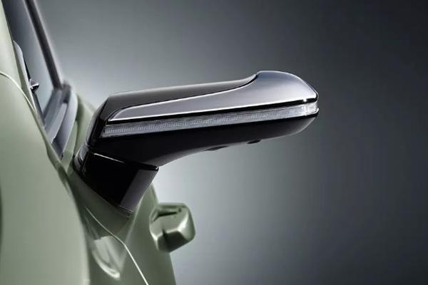 Lexus ES избавляется от боковых зеркал