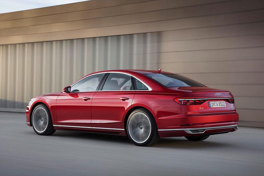 На российский рынок выходит новая версия Audi A8