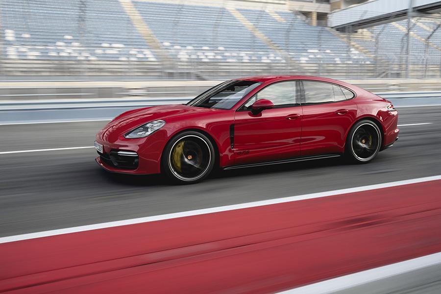 В российской линейке Porsche пополнение