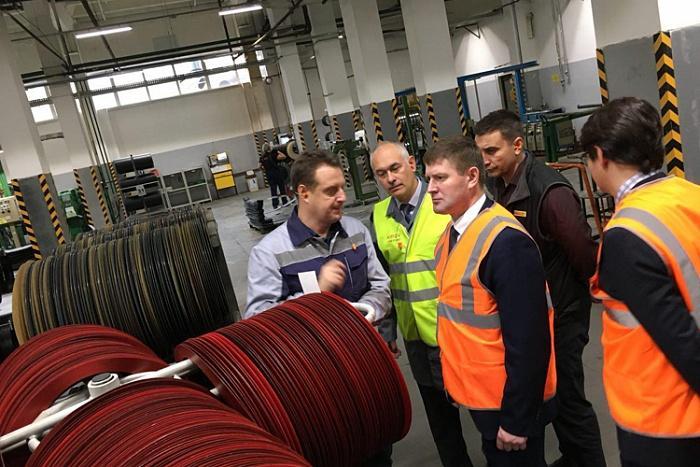 Министр промышленной политики региона посетил завод Pirelli в Кирове