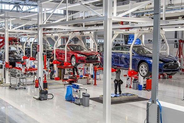 Tesla показала первую квартальную прибыль за два года