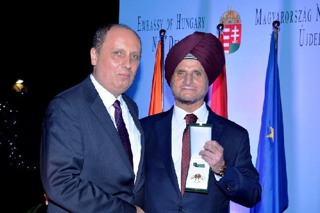Председатель Apollo Tyres стал «Офицером венгерского Ордена Заслуг»