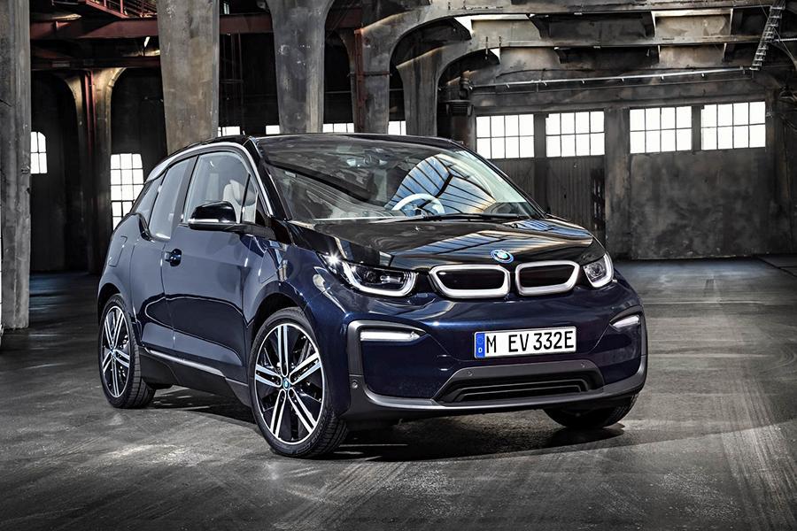 Обновленный BMW i3 можно заказать в России