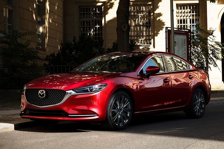 В России начинаются продажи обновленной Mazda6