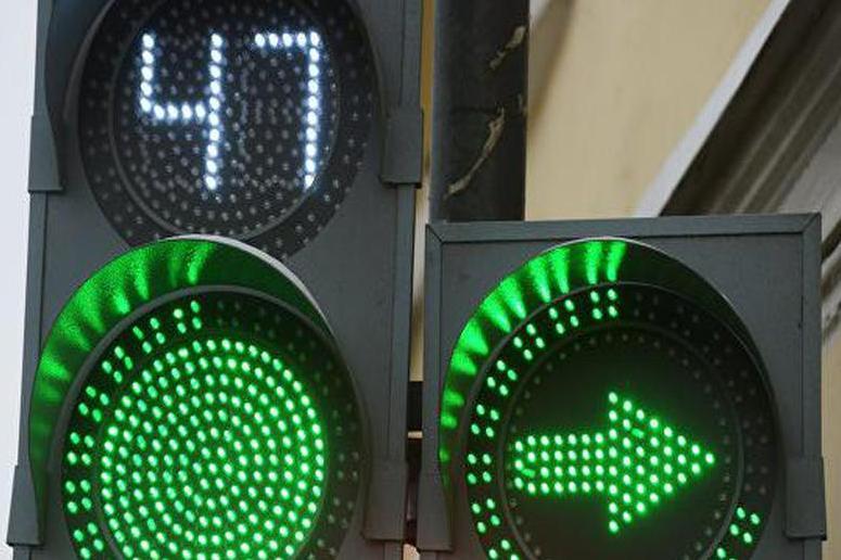 Московские водители повредили светофоров на 3 млн рублей