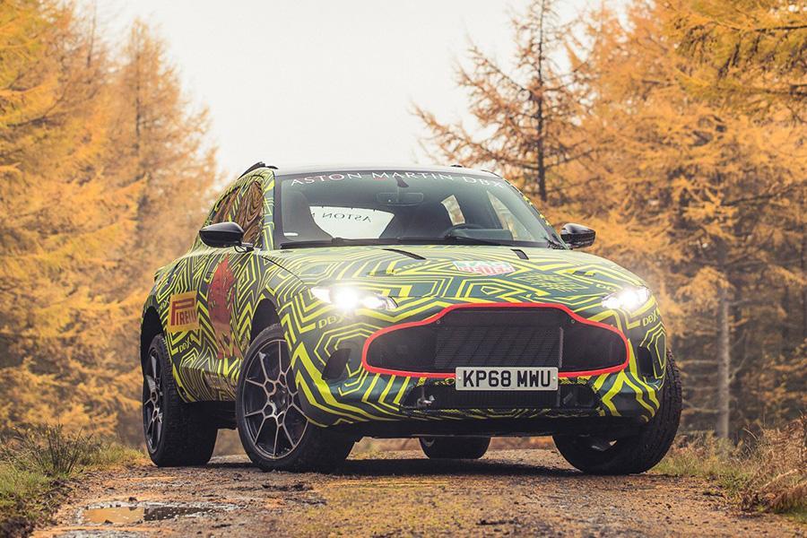 Aston Martin показал свой первый кроссовер (пока в камуфляже)