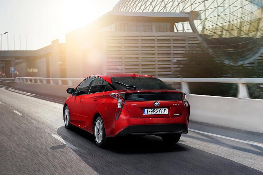 Toyota отзывает в России гибриды Prius