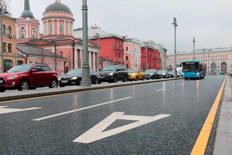 В Москве запустили двойную выделенную полосу