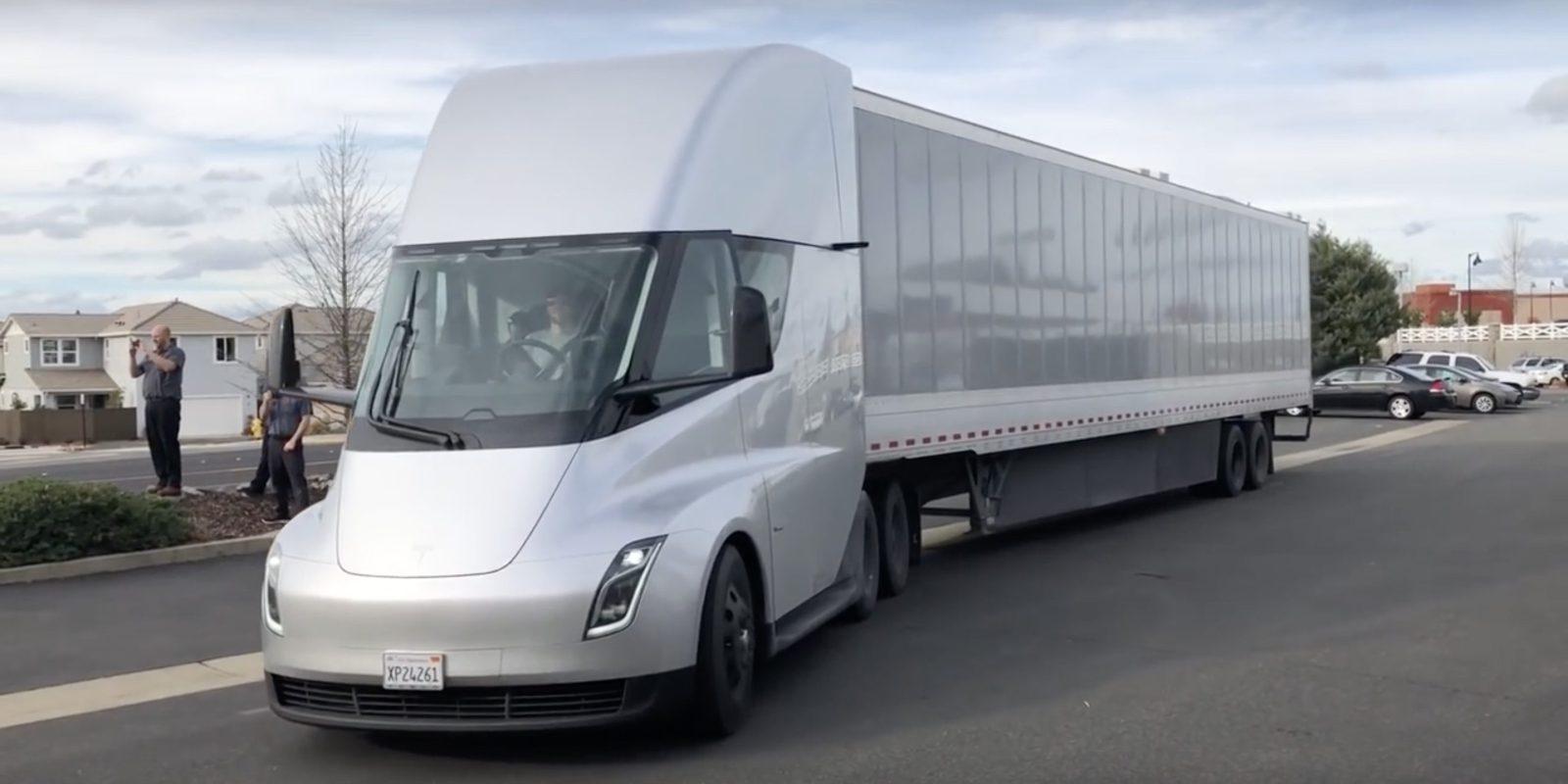 Tesla разработала свою систему подкачки шин для электрической фуры Semi