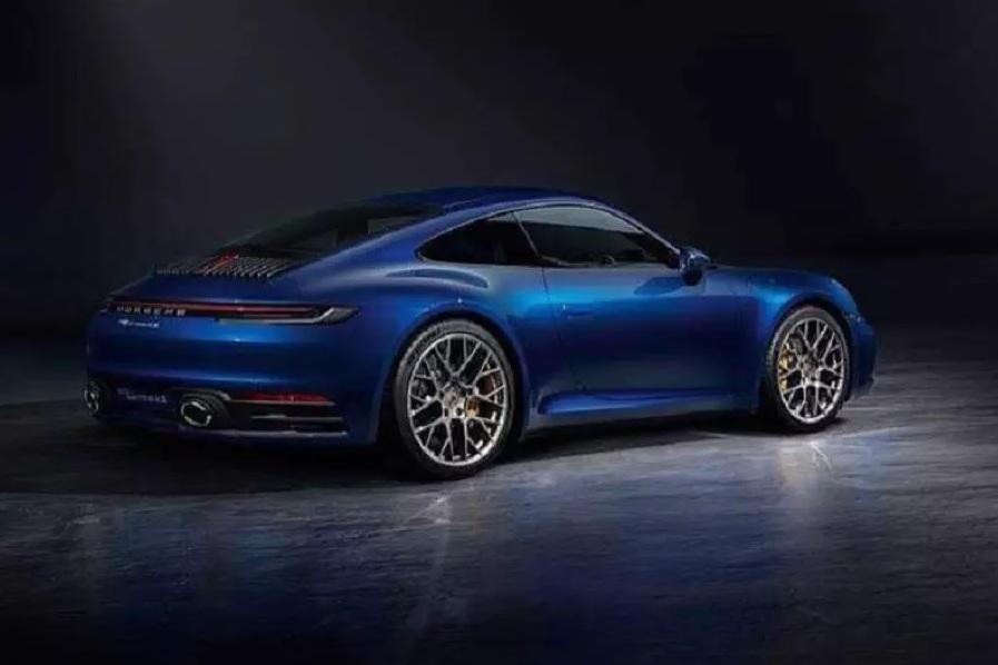Фото нового Porsche 911 оказались в сети раньше времени