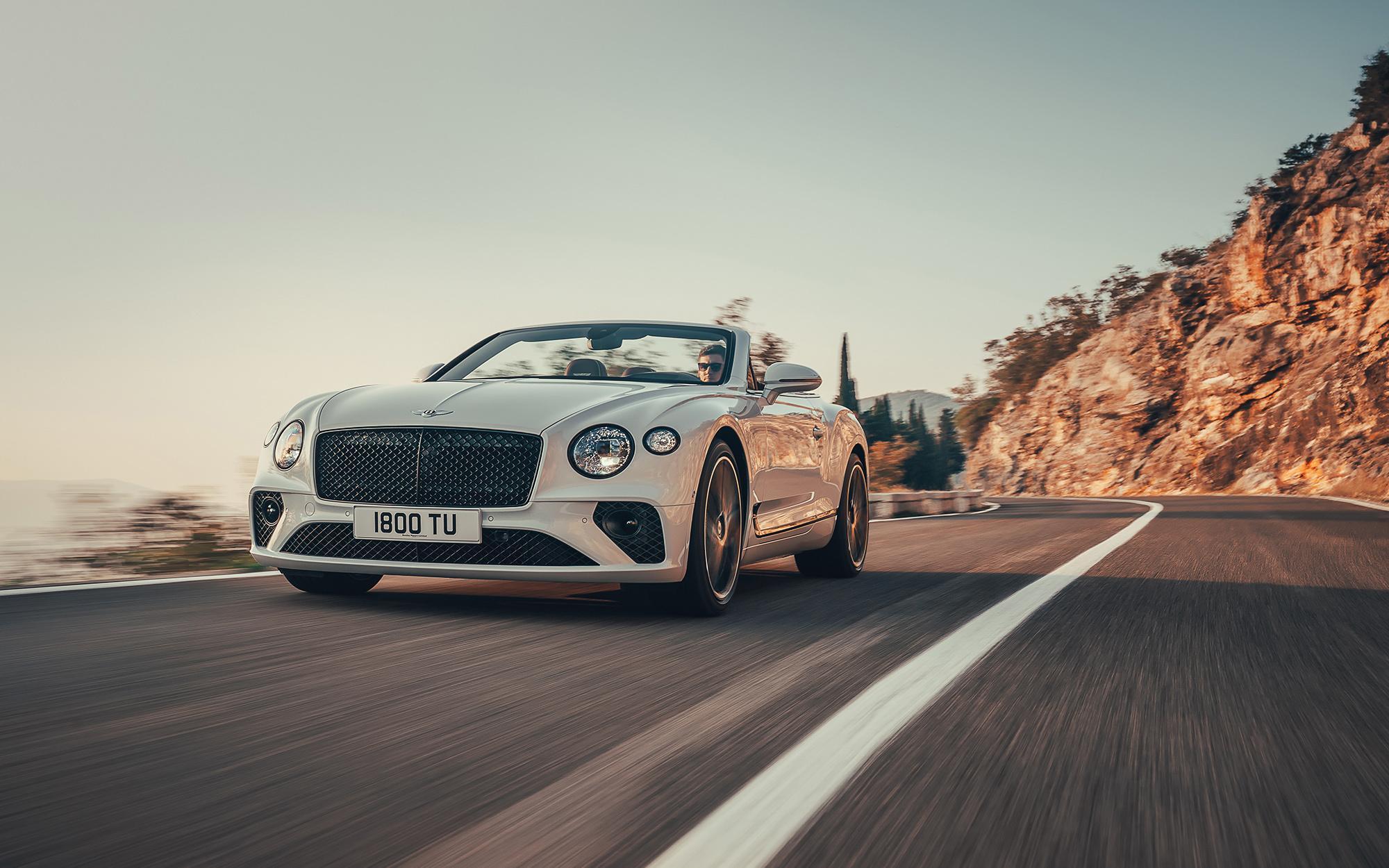 Для Bentley Continental GT Convertible шинники Pirelli разработали спецверсию шин P Zero