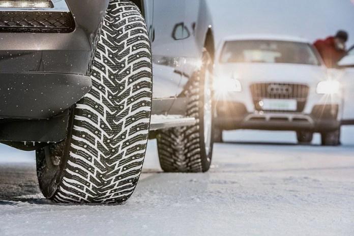 Финляндия закрыла въезд в страну автомобилям на летних шинах