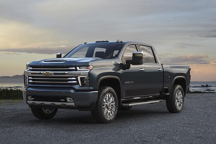 Chevrolet показал второй вариант дизайна пикапа Silverado HD