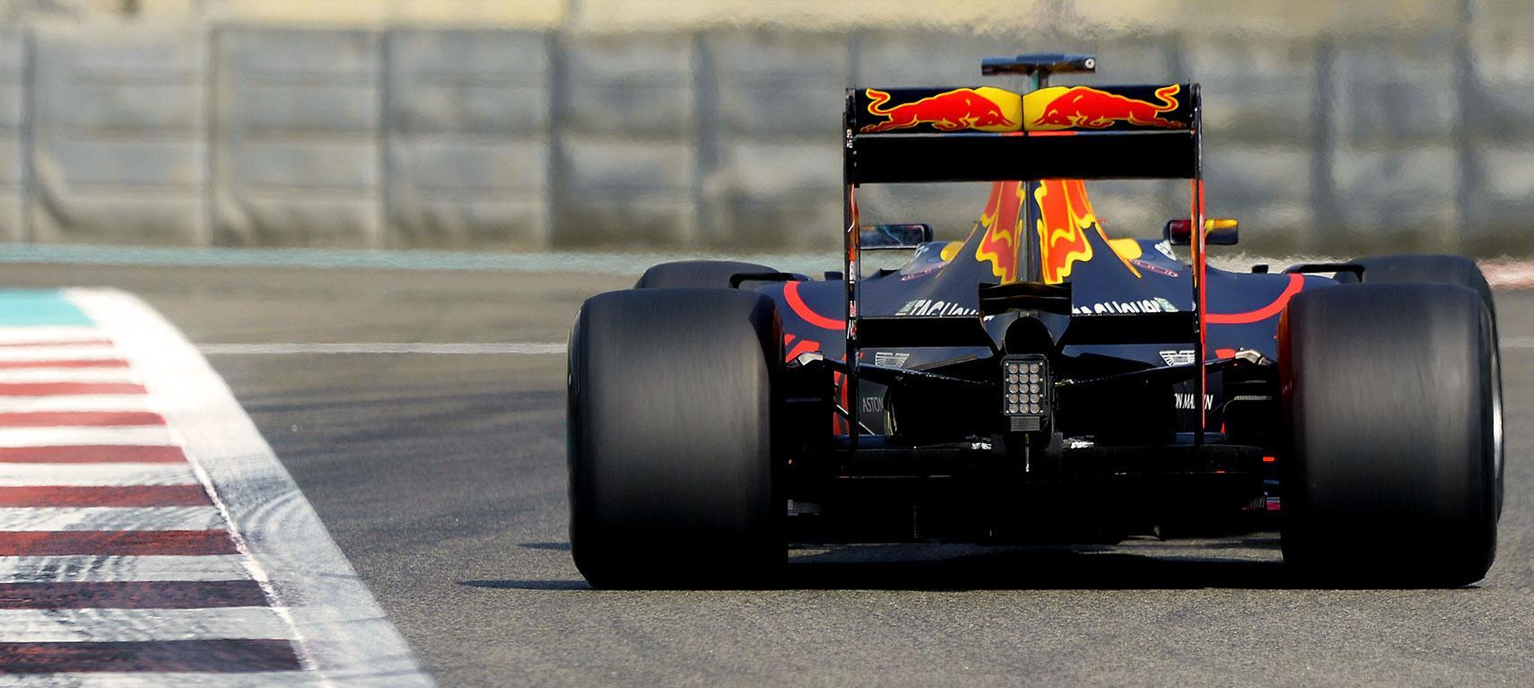 Пирелли определилась с типами шин на первые Гран-при F1 2019 года