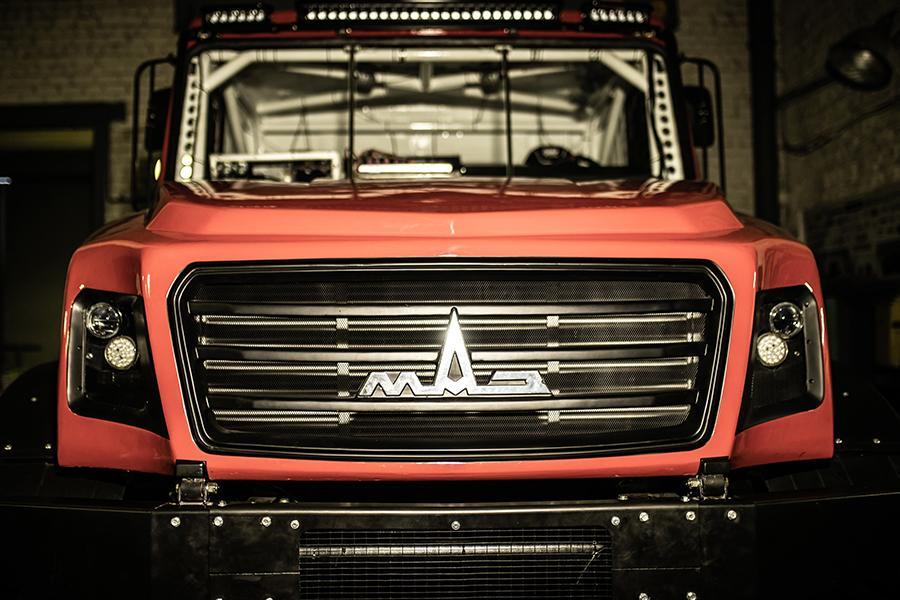 МАЗ построил красивый грузовик для ралли-рейдов