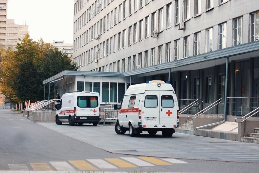 Посетителям Морозовской детской больницы облегчили парковку