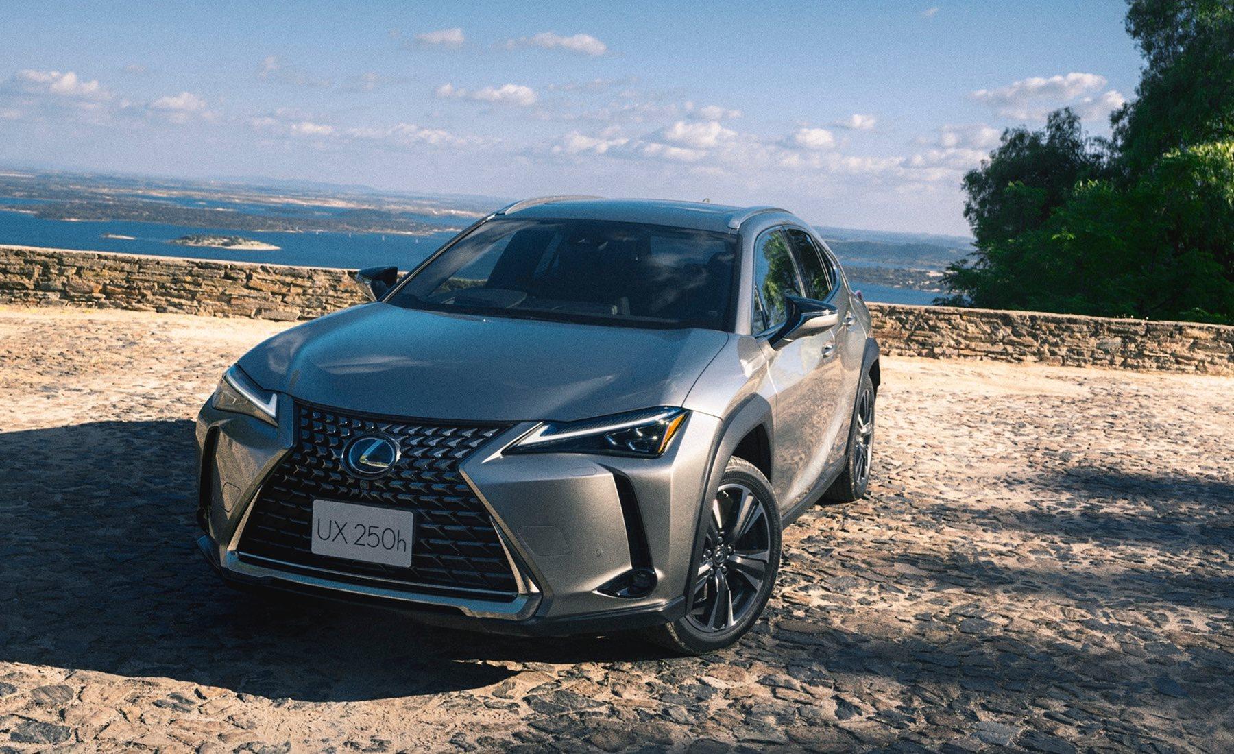Новые Lexus UX будут комплектовать шинами Bridgestone Turanza T005A