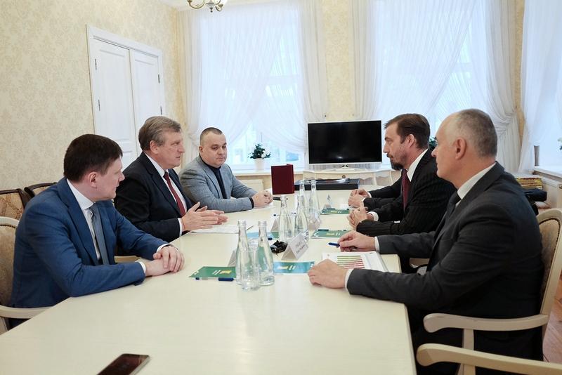 Глава Кировской области провел переговоры с руководством Pirelli Tyre Russia